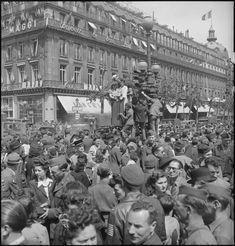 Paris V-E Day
