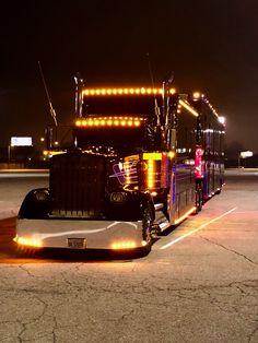 Big Rig Trucks, Semi Trucks, Cool Trucks, Custom Big Rigs, Custom Trucks, Heavy Construction Equipment, Ranger, Cab Over, Peterbilt Trucks