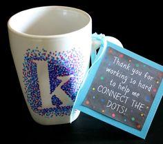 regalo para maestro con taza y sharpie