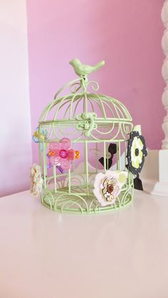love the idea of putting clips on the birdcage!!