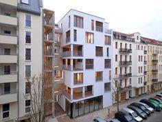 e_3 Housing In Berlin by Kaden Klingbeil Architekten
