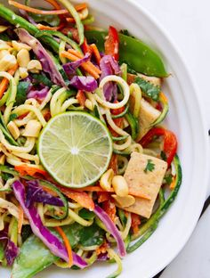 Thai rainbow zucchini noodle bowl + crispy tofu - the simple veganista. Vegan Dinner Recipes, Vegan Dinners, Whole Food Recipes, Cooking Recipes, Healthy Recipes, Vegetarian Recipes, Tofu Meals, Tofu Recipes, Healthy Dinners