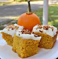 Greek Yogurt Pumpkin Cake Food Cakes, Cupcake Cakes, Pumpkin Recipes, Fall Recipes, Holiday Recipes, Pumpkin Cookies, Pumpkin Dessert, Pumpkin Bars, Pumpkin Pumpkin