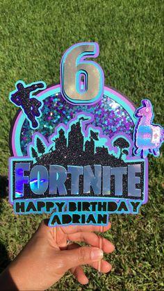 9th Birthday Parties, Birthday Crafts, 10th Birthday, Cake Table Birthday, Birthday Cake Toppers, Cupcake Toppers, Cricut Cake, Diy Cake Topper, Party Signs