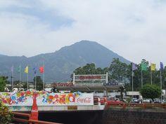 El Salvador-------Car dealership