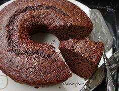 Ciambella Foresta Nera - Ciambella al cioccolato e amarena è un ciambellone sofficissimo e leggero, senza burro. La ciambella al cioccolato e amarena richi