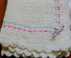 I've had many requests for a baby blanket made on the Knifty Knitter looms. This blanket is loom knitted using the fashion stitch. The instructions...