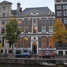 Het Grachtenhuis is a 17th-century mansion located at Herengracht 386 in…