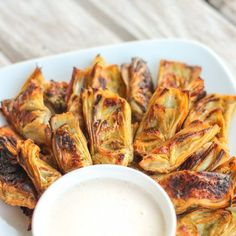 Crispy Artichoke Hearts with Horseradish Aioli are just THAT GOOD. Seriously delicious.