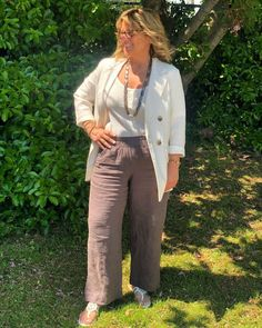 Cheryl Ackerman (@cherylinstyles) • Instagram photos and videos Work Clothes, Cheryl, Khaki Pants, Photo And Video, Videos, Jeans, Photos, Instagram, Fashion