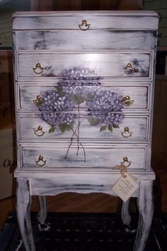 Hydrangea jewelry chest hand painted by Tammy Clark