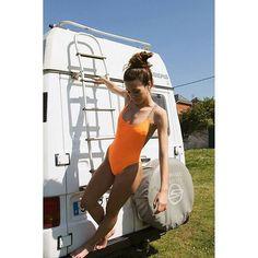 Bañador naranja tirante étnico. Fotografía de @paucalzon  Modelo @paulagcoto  #modq #tendencias #fashion #outfit #vintageshop #vintagedemialma #swimsuit #bañador #summer #caravana #furgoneta #autocaravana #camping #salinas #retro #gijon #aviles #madrid #barcelona #canarias #leon #lanzarote #lugo #marbella #photography #montereylocals #salinaslocals- posted by Vintage de mi Alma https://www.instagram.com/vintagedemialma_oficial - See more of Salinas, CA at http://salinaslocals.com