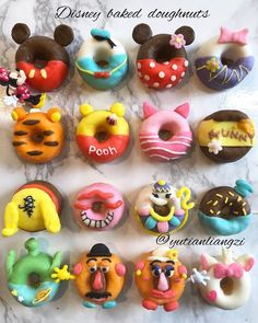 I love the Minnie and Mickey Mouse Donu . I love the Minnie and Mickey Mouse Donu … – baking – ba - Disney Desserts, Disney Food, Disney Cakes Easy, Disney Cake Pops, Disneyland Food, Disney Cars, Delicious Donuts, Delicious Desserts, Dessert Recipes