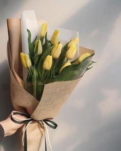 Flowers Birthday Boquette Floral Arrangements Vase 27 Ideas For 2019 How To Wrap Flowers, Little Flowers, Flowers In Hair, Fresh Flowers, Beautiful Flowers, Flower Box Gift, Flower Boxes, Fond Design, Wedding Ideias