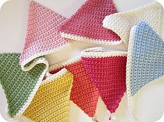 Simple Crochet Bunting ~ free pattern