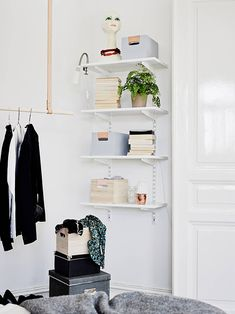 little shelves for by front door?swedish space / sfgirlbybay