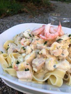 Krämig laxpasta med räkor och citron – Alla goda ting Pasta Salad, Pasta Recipes, Love Food, Drink, Cooking, Ethnic Recipes, Beautiful, Lemon, God