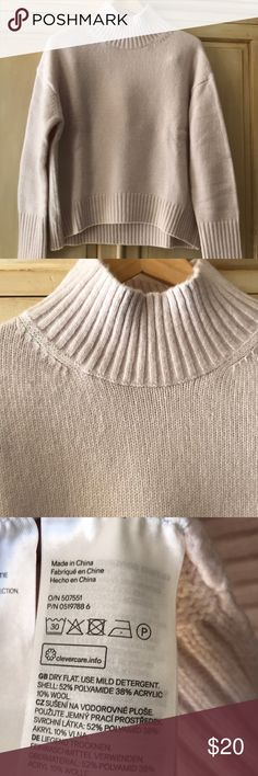 """H&M pale pink oversized sweater-size XS-new/no tag Pale pink oversized H&M sweater with mock turtleneck and long sleeves-size XS. Measures approximately 24"""" across underarms, length is 22"""" in front and sleeves measure 21"""" from dropped shoulder. New gift but no tags H&M Sweaters Cowl & Turtlenecks"""