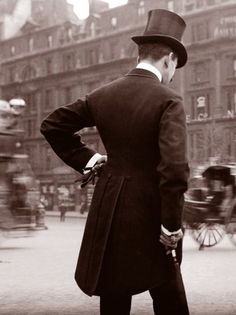 Top Hat Single Dapper Man Proper English London 1900 Victorian Edwardian Vintage Stylish Manly Male Photography Photo Black White Sepia – Men's style, accessories, mens fashion trends 2020 Edwardian Era, Edwardian Fashion, Vintage Fashion, Portraits Victoriens, Style Édouardien, Style Men, Retro Style, Victorian London, Vintage London