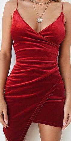 Velvet bombshell, The Lexi Dress ❤️❤️❤️