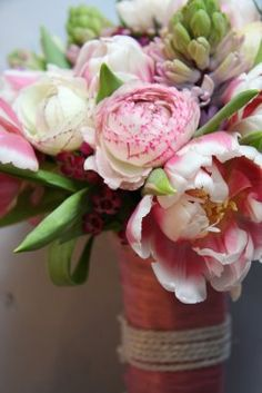 Flower Design Events: Spring Wedding Bouquet in Shades of Pink