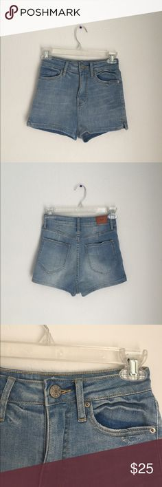 Urban Outfitters Denim Shorts Great condition/ never worn Urban Outfitters Shorts Jean Shorts