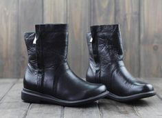 Winter Black Leather Shoes for Women, Mid-High Leather Boots,Flat Short Boots,Genius Leather Shoes, Winter Shoes, Casual Shoes Soft and warm lining Color: Black Height of the boot: 15cm Height of the Heel: 3cm More Shoes: https://www.etsy.com/shop/HerHis?ref=shopsection_shophome_leftnav