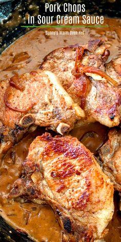 Dinner Recipes Easy Quick, Quick Easy Meals, Healthy Dinner Recipes, Sauce A La Creme, Sour Cream Sauce, Pork Chop Recipes, Meat Recipes, Cooking Recipes, Avocado Recipes