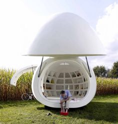 Blob VB3: la micro-casa a forma di uovo è un evocativo nido d'amore   Design Fanpage