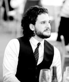 Congrats on getting engaged Kit Harington! Kit Harrington, Tony Hart, Gorgeous Men, Beautiful People, Kit And Emilia, John Snow, King In The North, Baby Kit, Tv Couples