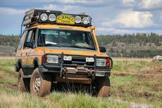 Camel Trophy Discovery.