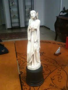 Ambrosial and worty top quality european ivory carving  mid 700  - call  Danilo 0039 335 6815268
