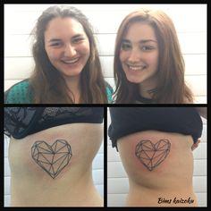 Elle sont contentes, soeur liées a vie❤️❤️❤️ #bims #bimstattoo #bimskaizoku #soeur #sista #paristattoo #paris #paname #tatouée #tatouage #tatouages #coeur #heart #coeurtattoo #hearttattoo #ink #inked #inkedgirl #tattoo #tattoos #tattooart #tattoolife #tat