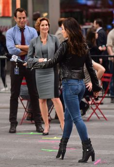 Actress and model Megan Fox looked casual and cool as she was photographed on the set of Teenage Mutant Ninja Turtles 2 in New…