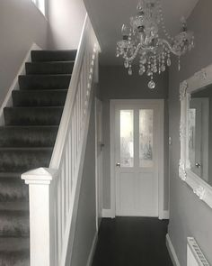 relaxing mirror designs ideas for hallway interior desig House Stairs, Carpet Stairs, Grey And White Hallway, Hallway Decorating, Interior Decorating, Entryway Decor, Landing Decor, Decoration Hall, Hallway Wallpaper