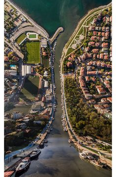 inception-istanbul-surreal-city-landscape-flatland-aydin-buyuktas-7.jpg (880×1347)