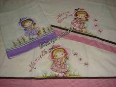Fraldas pintadas com barradinhos  em tecido