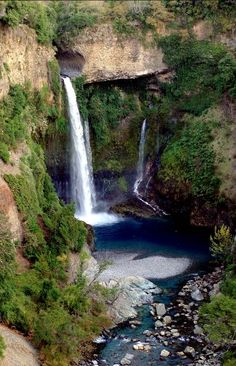 """Velo de la Novia"", Parque Nacional Radal Siete Tazas, CHILE Oh The Places You'll Go, Places To Travel, Places To Visit, Top Of The World, Wonders Of The World, Nature Photography, Travel Photography, Beautiful Waterfalls, South America Travel"