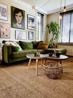 Living Room Green, Home Living Room, Apartment Living, Living Room Decor, Bedroom Decor, Living Room Vintage, Living Room Inspiration, Home Decor Inspiration, Interior Design Living Room