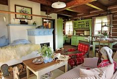 Ako u babičky: Rozprávkový dom plný tradícií v srdci prírody Cozy House, Great Rooms, Bunk Beds, Interior Inspiration, Interior Decorating, Yard, Furniture, Home Decor, Cottages