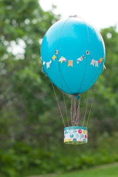 Fun project I made for the Fancy Pants Design Team Ballon Crafts, Diy Ballon, Big Balloons, Birthday Balloons, Diy Hot Air Balloons, Fun Crafts, Crafts For Kids, Happy B Day, Craft Gifts