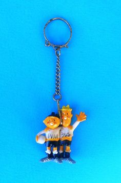 FIFA FOOTBALL SOCCER WORLD CUP - GERMANY 1974. mascot TIP&TAP - vintage keychain  | eBay