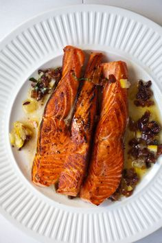 how to cook salmon easily   This looks delicious.  Recipe for one, but easily doubled or trippled.