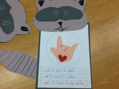 Dictation activity/ craft to go with the Kissing Hand
