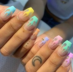 Nageldesign So, let's say the bride and groom are big into sports. Simple Acrylic Nails, Summer Acrylic Nails, Best Acrylic Nails, Acrylic Nail Designs, Spring Nails, Pink Nail Designs, Drip Nails, Polygel Nails, Swag Nails