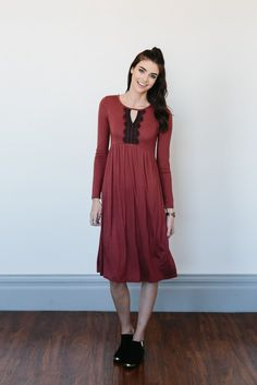 Keyhole Detailed Dress- Brick- Medium