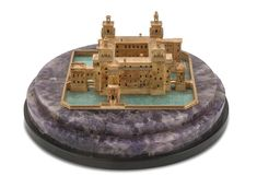 MODEL OF THE D'ESTE CASTLE IN FERRARA IN GOLD 18 KTS. MANUFACTURE ITALIAN 1950S Green Stone, 1950s, 18th, Castle, Auction, Model, Gold, House, Amethyst