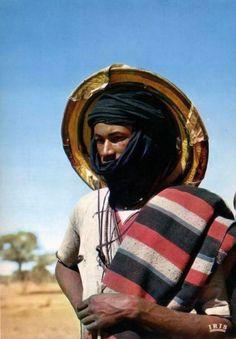 Africa   Wodaabe (Bororo Fulani) man.  Niger    Scanned postcard; publisher Mauclert / IRIS.  No 5869