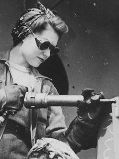 """detail of """"Chippers."""" Women War Workers of Marinship Corp, 1942. - WWII propaganda photo, women war workers, shipyard, shipbuilding"""