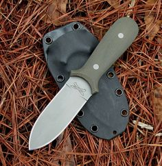 SPModel I have one, it is great yo hide for conceal carry Can flatten a tire in a single push Anyone in deep cover needs to consider this on. twinblades   Great guys, great knives